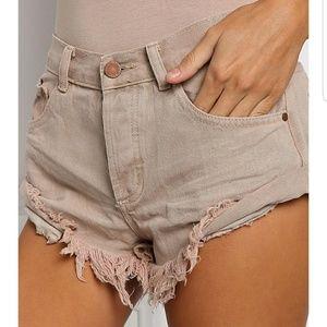 Frayed Hem Bandit Style Cuffed Shorts Nude